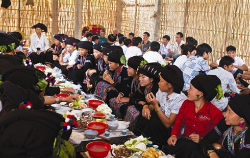 Lễ mừng cơm mới của người Lự Lai Châu