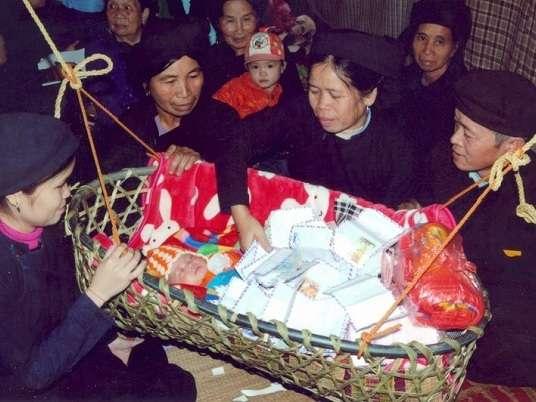 Lễ đầy tháng của người Tày Hà Giang - P2