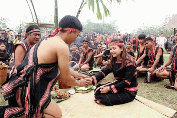 Chuh Pơ nú – Nghi lễ tự nguyện của người Jrai, Gia Lai