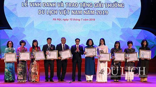 100 doanh nghiệp, đơn vị được vinh danh và trao tặng Giải thưởng Du lịch Việt Nam 2019