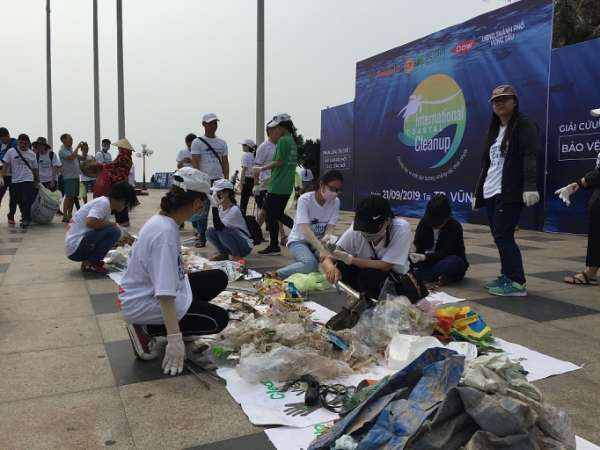 Vũng Tàu hưởng ứng Ngày Quốc tế làm sạch bờ biển năm 2019