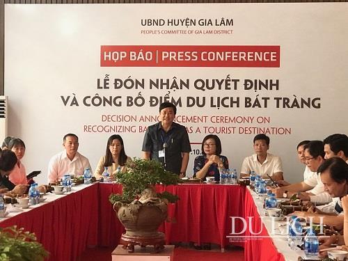 Hà Nội công bố Bát Tràng là Điểm du lịch làng nghề