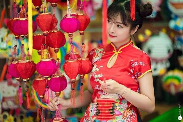 Sống ảo thả ga ở phố lồng đèn nổi tiếng lâu đời giữa Sài Gòn