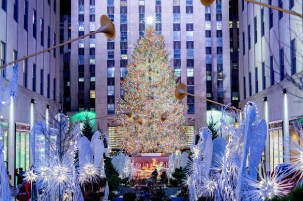 Điểm danh loạt cây thông Noel đẹp nhất thế giới dịp Giáng sinh 2020