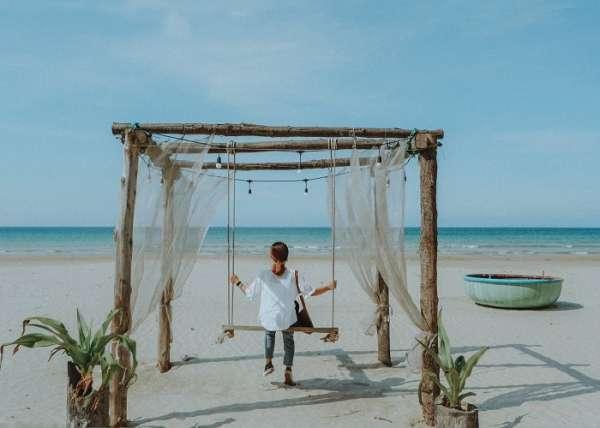 Hẹn hết dịch, mình lại check in sống ảo xịn sò ở bãi biển Châu Tân Quảng Ngãi