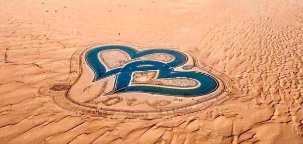 Ngỡ ngàng trước hồ nước trái tim độc lạ ở Dubai