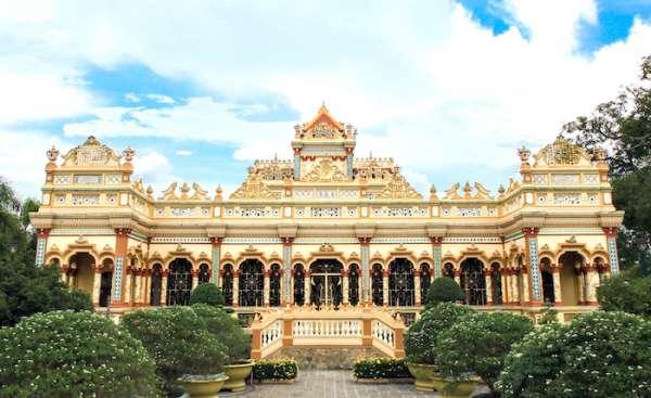 Chùa Vĩnh Tràng Tiền Giang nơi linh thiêng sở hữu kiến trúc độc đáo