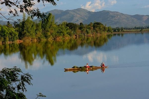 Sông Đắk Bla, dải lụa óng ả giữa lòng Kon Tum