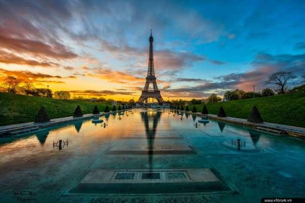 Khách tham quan tháp Eiffel cần hộ chiếu vaccine