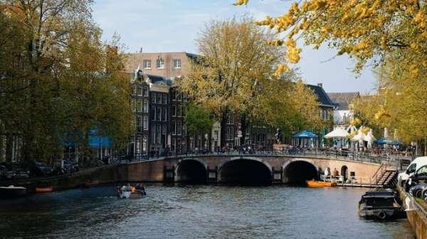 Cô gái Việt nhận biết Amsterdam qua những mùi hương